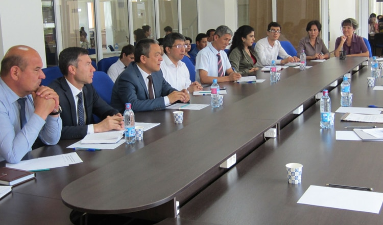 Regional English Language Officer for Central Asia John Scacco visits Uzbekistan